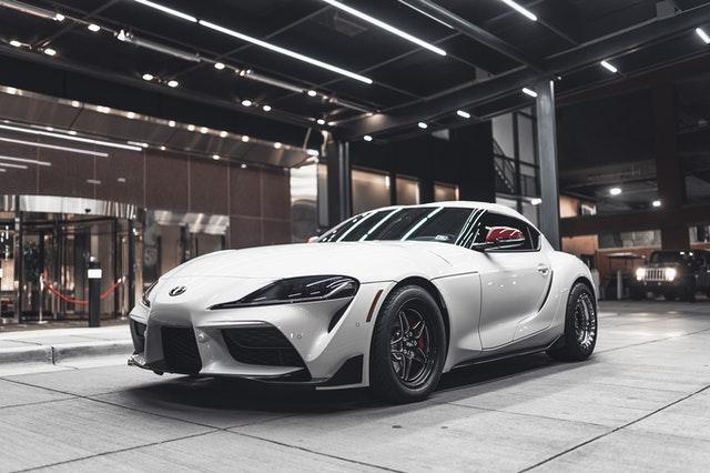 מכוניות ספורט למכירה